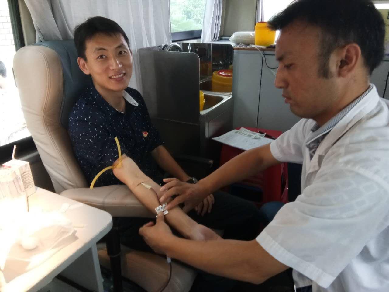 县委党校组织开展义务献血活动