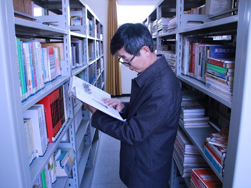 县委党校开展党员读书日活动